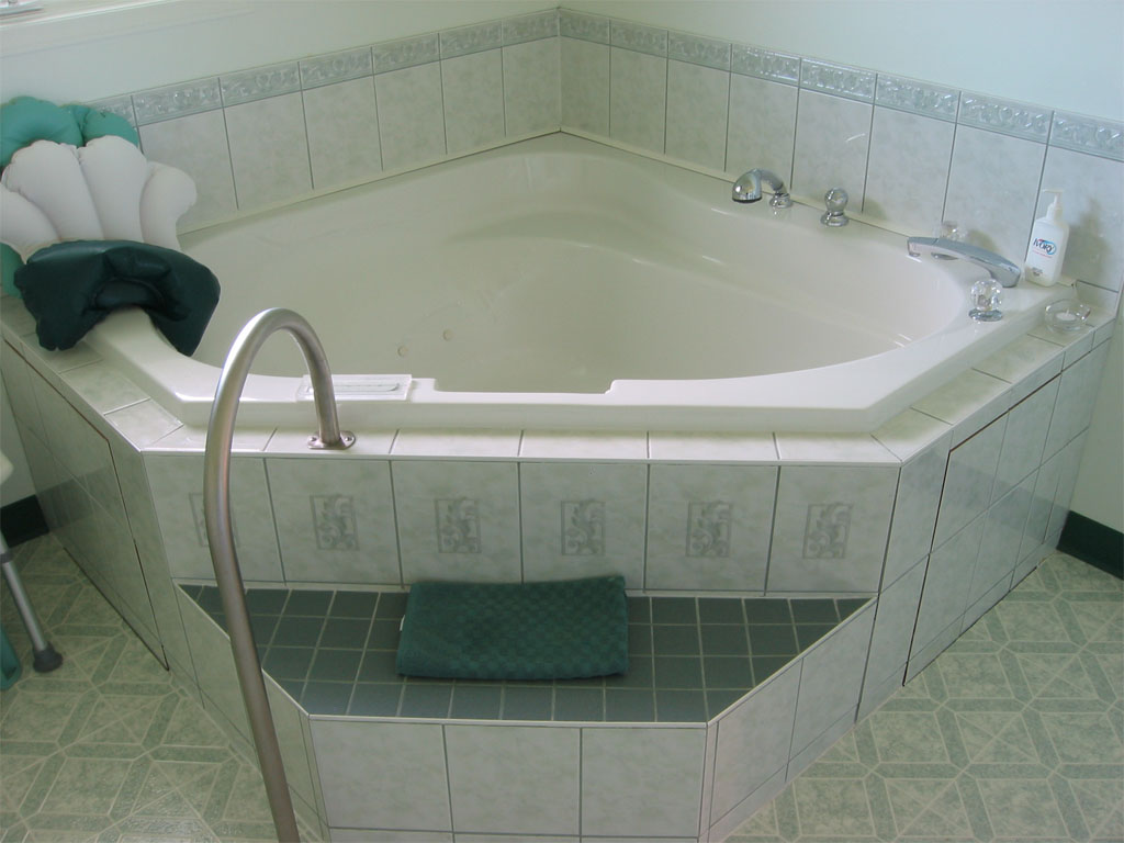 Birth Tub 04.jpg