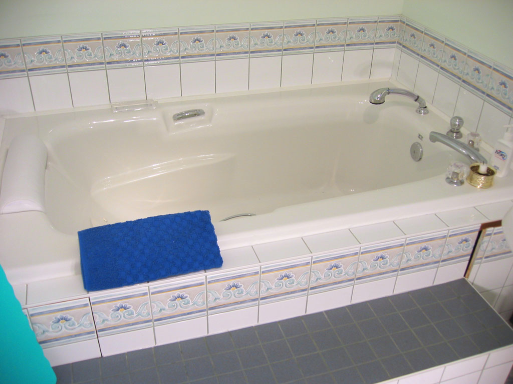 Birth Tub 06.jpg