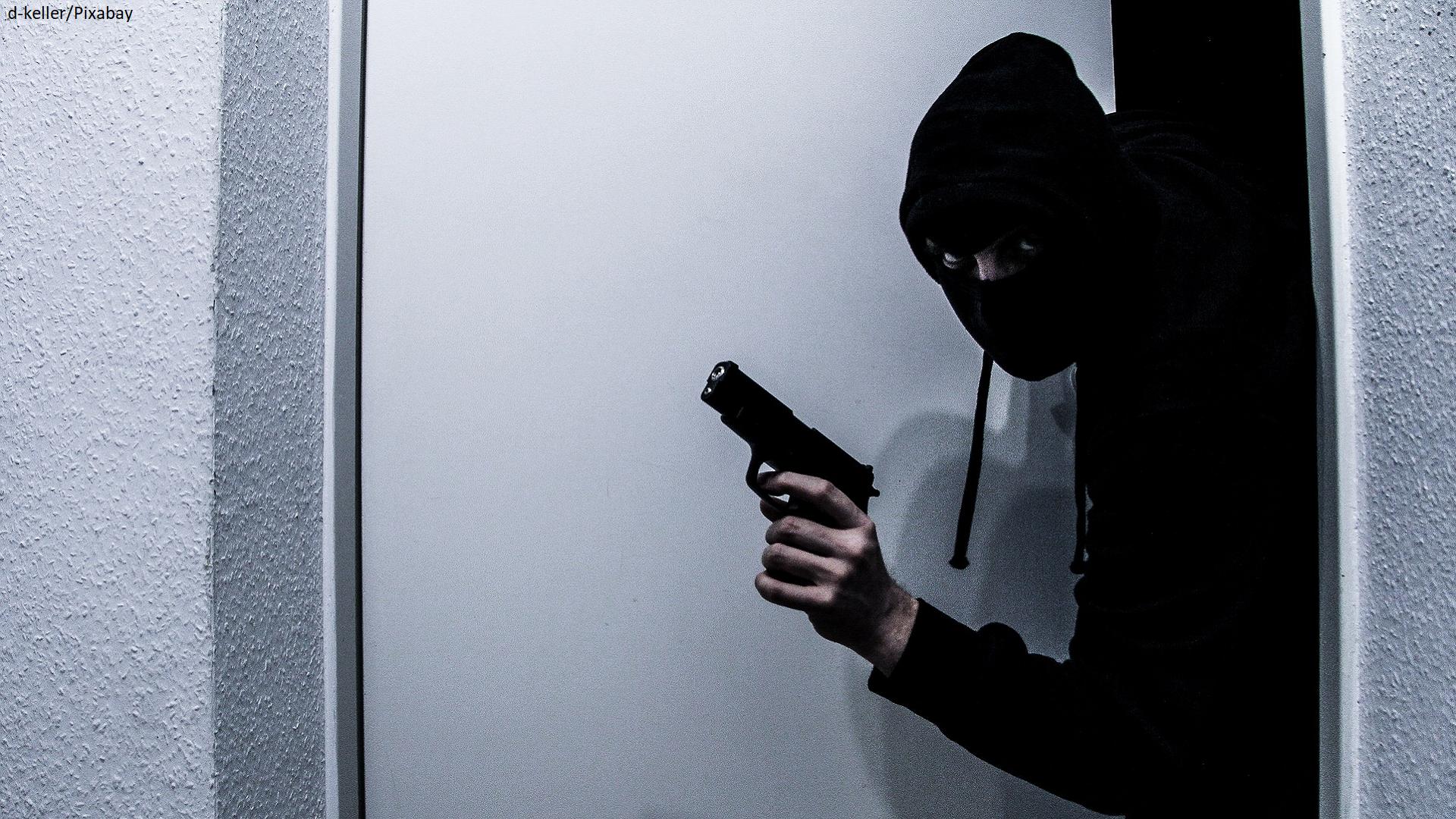 home invasion burglar gun 2.png