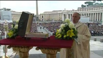 Pope Francis Displays St. Peter's Bones at Sunday Mass in St. Peter's Square, November 21, 2013