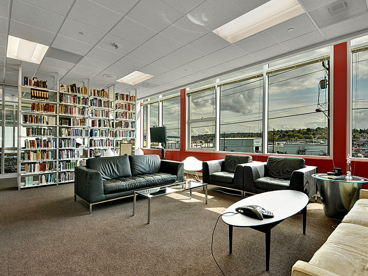 Ballard Labs   1416 NW 46th St, Seattle, WA, 98107  Private Office - $1199 / month Dedicated Desk - $399/ month Hot Desk - $299 / month Virtual Office - $99 / month