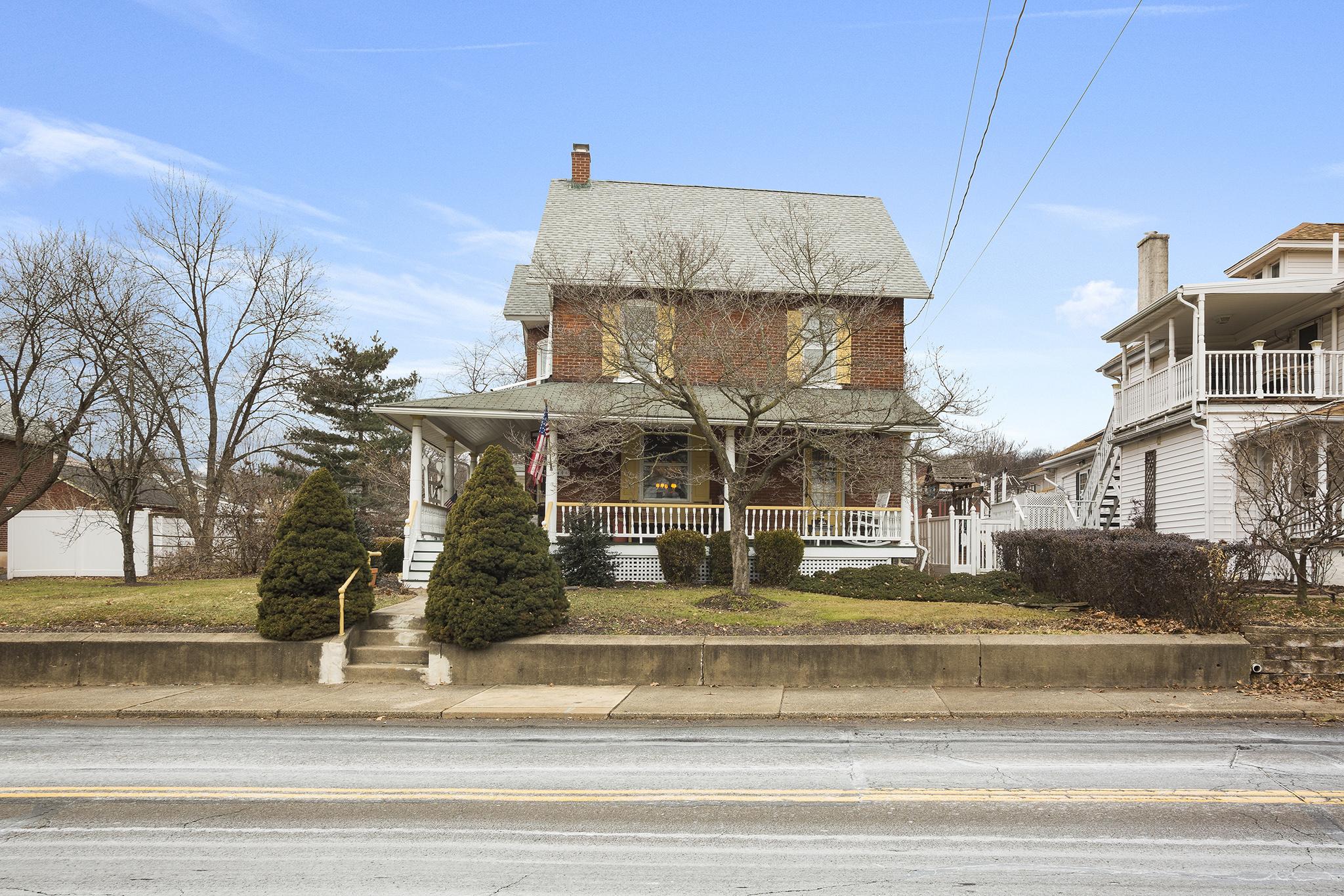 Vince May Real Estate -  406 N. 5th St Perkasie PA-online-01.jpg