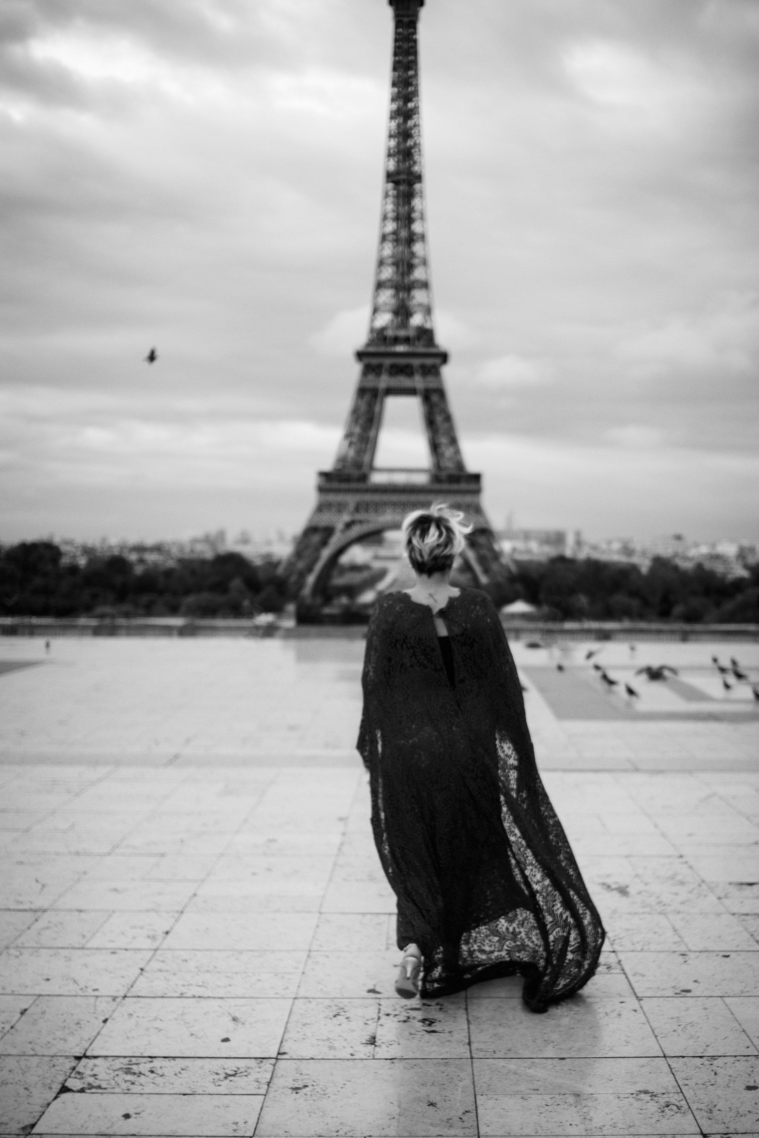 25-2018-08-25 - Sally Paris-14 bw.jpg