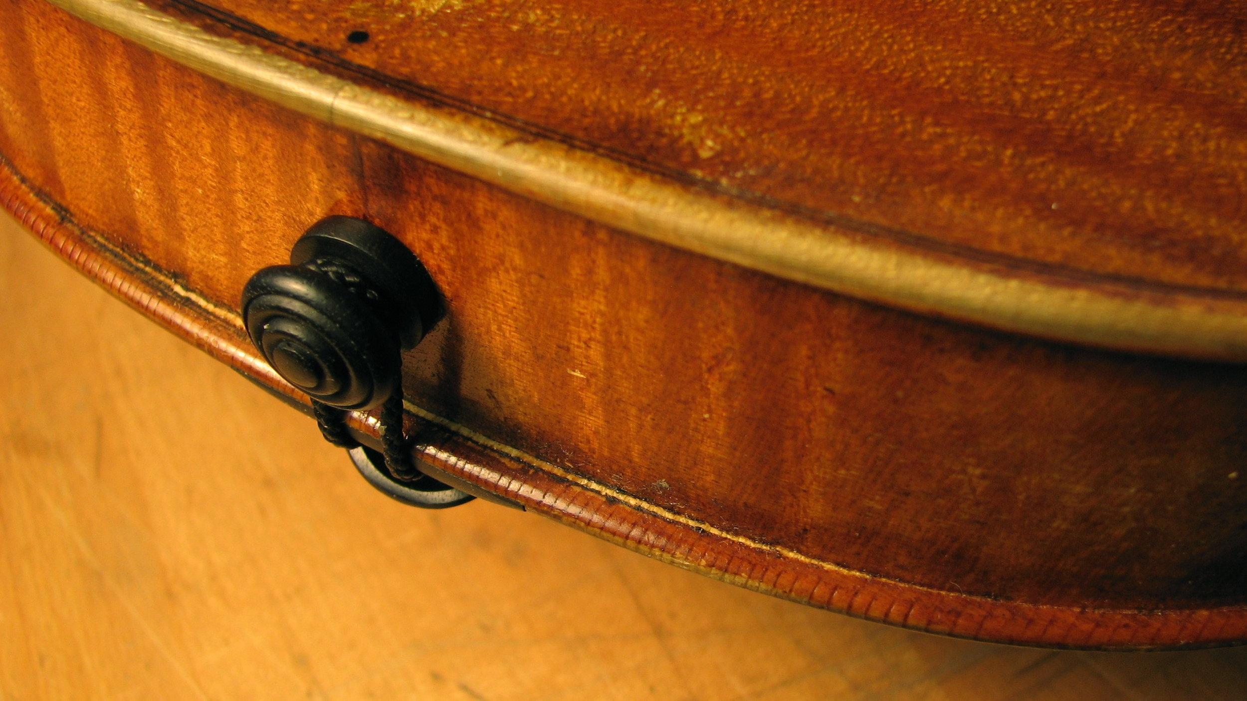 violin seam.jpg