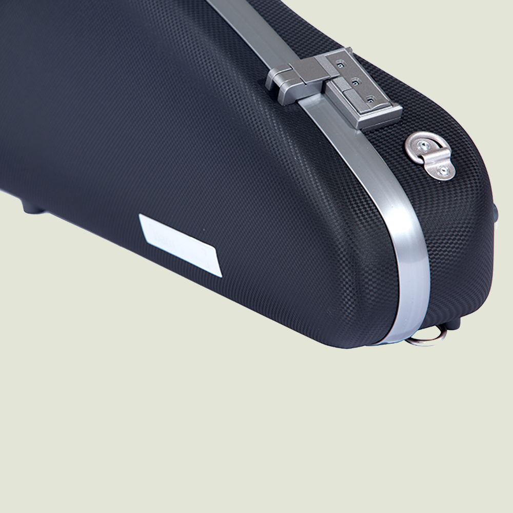 The Bam Panther Hightech cases  use an advanced latch system.