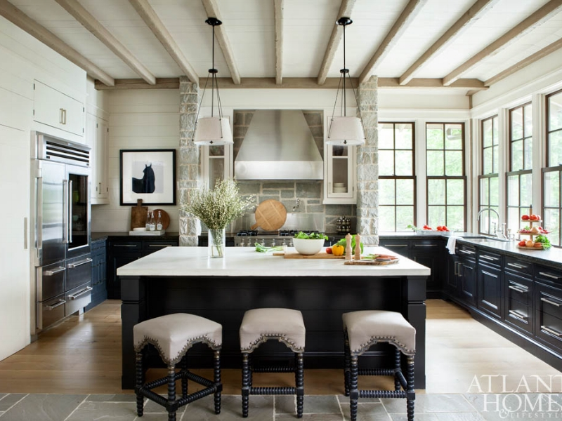 Another great example of having an uninterrupted space for the cook.  With lots of counter space on the island, and a compact work zone, this dream kitchen would be easy on the elbows.  Source:  Atlanta Homes & Lifestyles