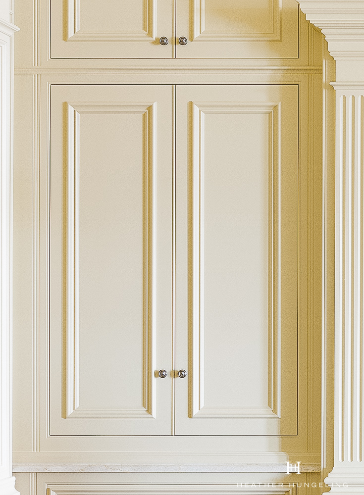 Kitchen Cabinetry Design Mistake #4: Selecting an Overlay-Door style of cabinetry for your new luxury kitchen. Flush-inset cabinetry (as shown in the image above) is the benchmark of craftsmanship and will stand the test of time. #kitchencabinetrydesign #luxurykitchendesigns, #clivechristian, #traditionalkitchens,