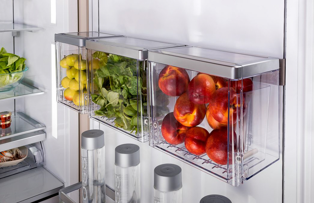THERMADOR'S REFRIGERATOR WITH FOOD PREP BINS