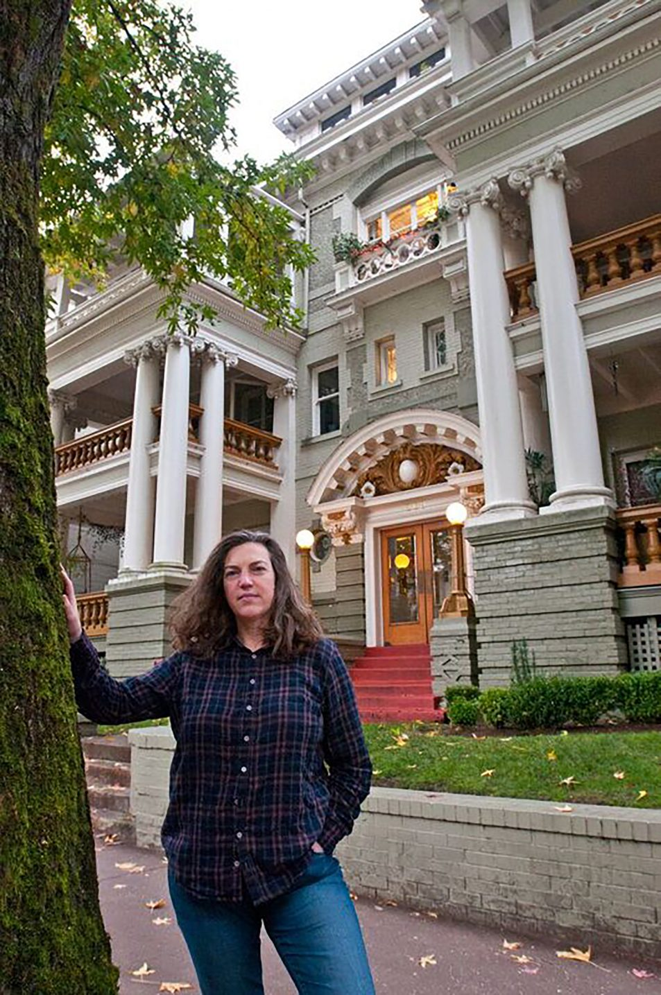 Pippa Arend loves her historic landmark apartment building on Northwest 23rd Avenue and wants to spend the rest of her life there. But if the city adopts proposed seismic upgrade requirements, she fears the building will have to be demolished.