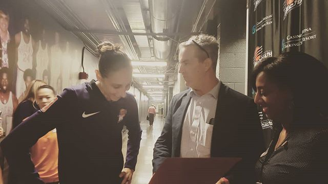 @dianataurasi_ receives an honorary membership to our new membership program from board chair, @eliason_jon, and CEO Mesha Davis. @phoenixmercury . . . #equality #womenssafety #womensequality #membership #phoenix #GOAT