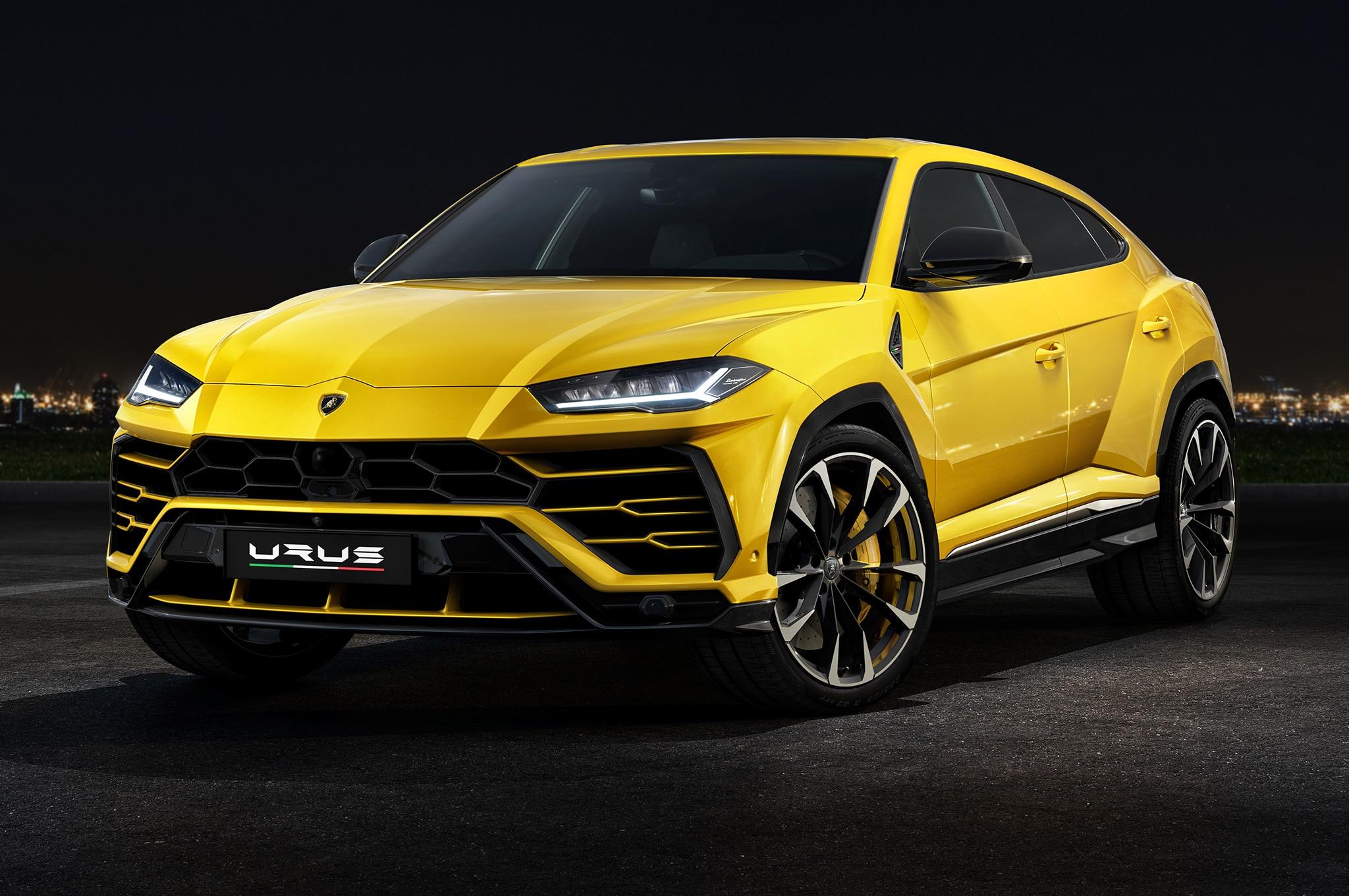2019-Lamborghini-Urus-front-side-view.jpg