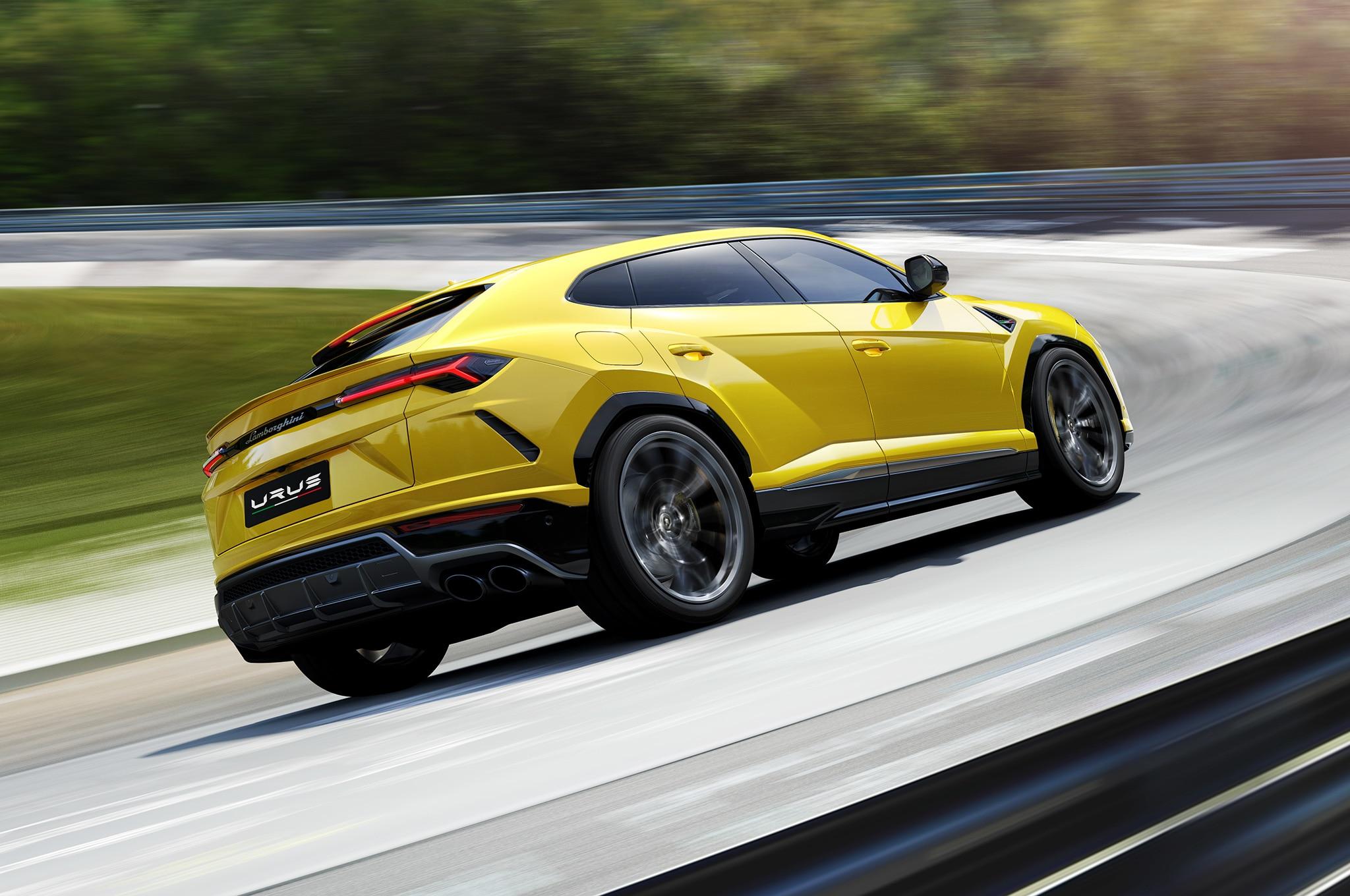 2019-Lamborghini-Urus-rear-side-motion-view-on-Nurburgring.jpg