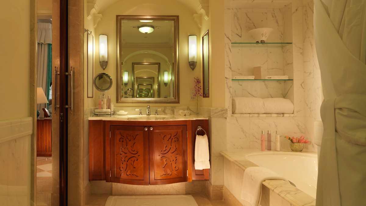 Sandy-Lane_Barbados_Luxury-Ocean-Room_Bathroom.jpeg