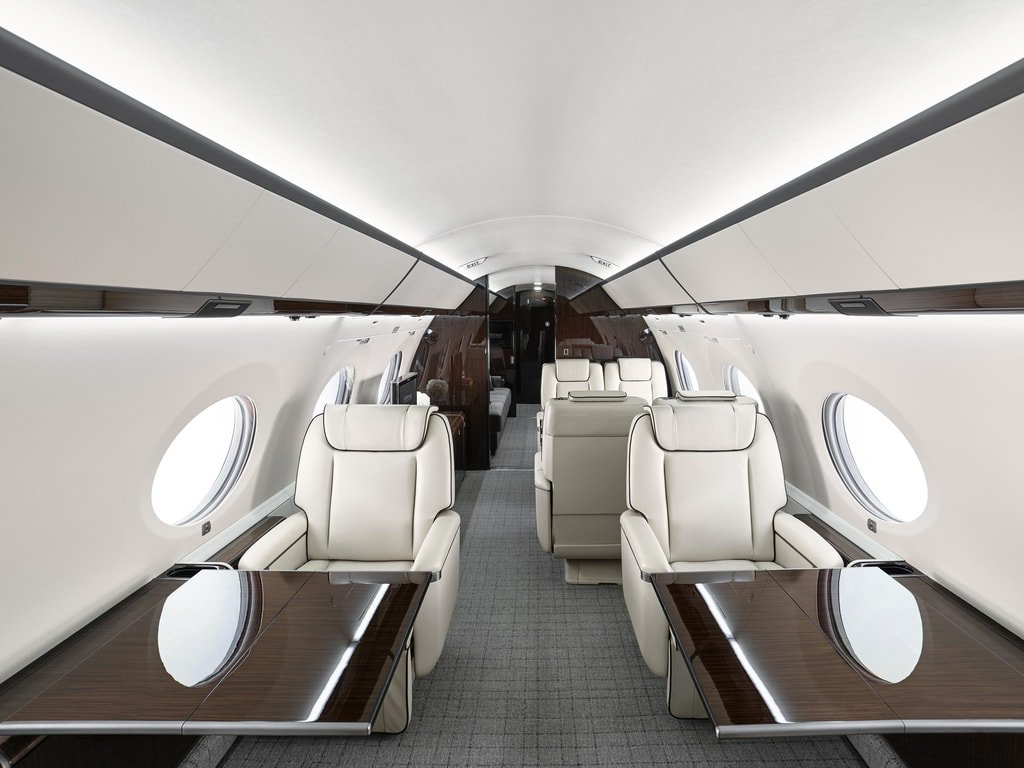 33.Gulfstream_G650ER_Interior-Haute-Living-United-States-min.jpg