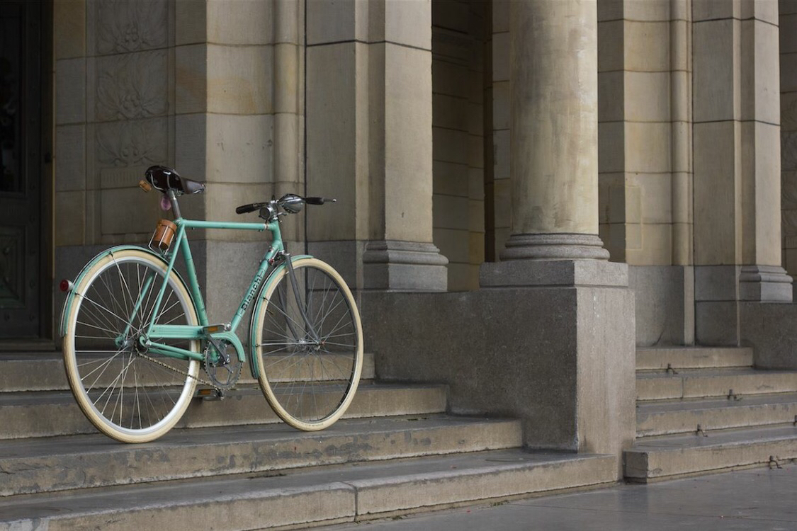 Bianchi - THE WORLD'S LONGEST STANDING BICYCLE MANUFACTURER, BIANCHI HAS BEEN PUTTING PEOPLE ON BIKES SINCE 1885. THEIR ITALIAN-INSPIRED BIKES CELEBRATE THE DEEP-ROOTED PASSION AND TRADITION IN CYCLING. WHEN YOU SEE THEIR SIGNATURE CELESTE ON A BIKE, YOU KNOW IT'S A BIANCHI. THERE'S NOTHING QUITE LIKE RIDING A BIKE BACKED WITH SUCH HISTORY.