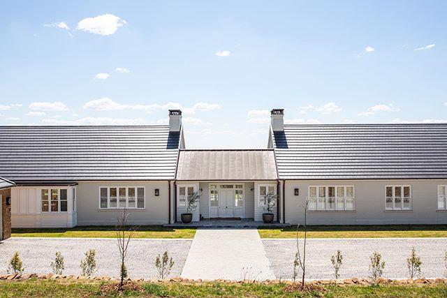 Welcome to Wildwood Hill 🌾 . . . . #wildwoodhill #interiordesign #farmhouse #modernfarm #instahome #interiors #design #southernliving #farmhousestyle #interiorinspo #kitchendesign #architecture #interiordesign