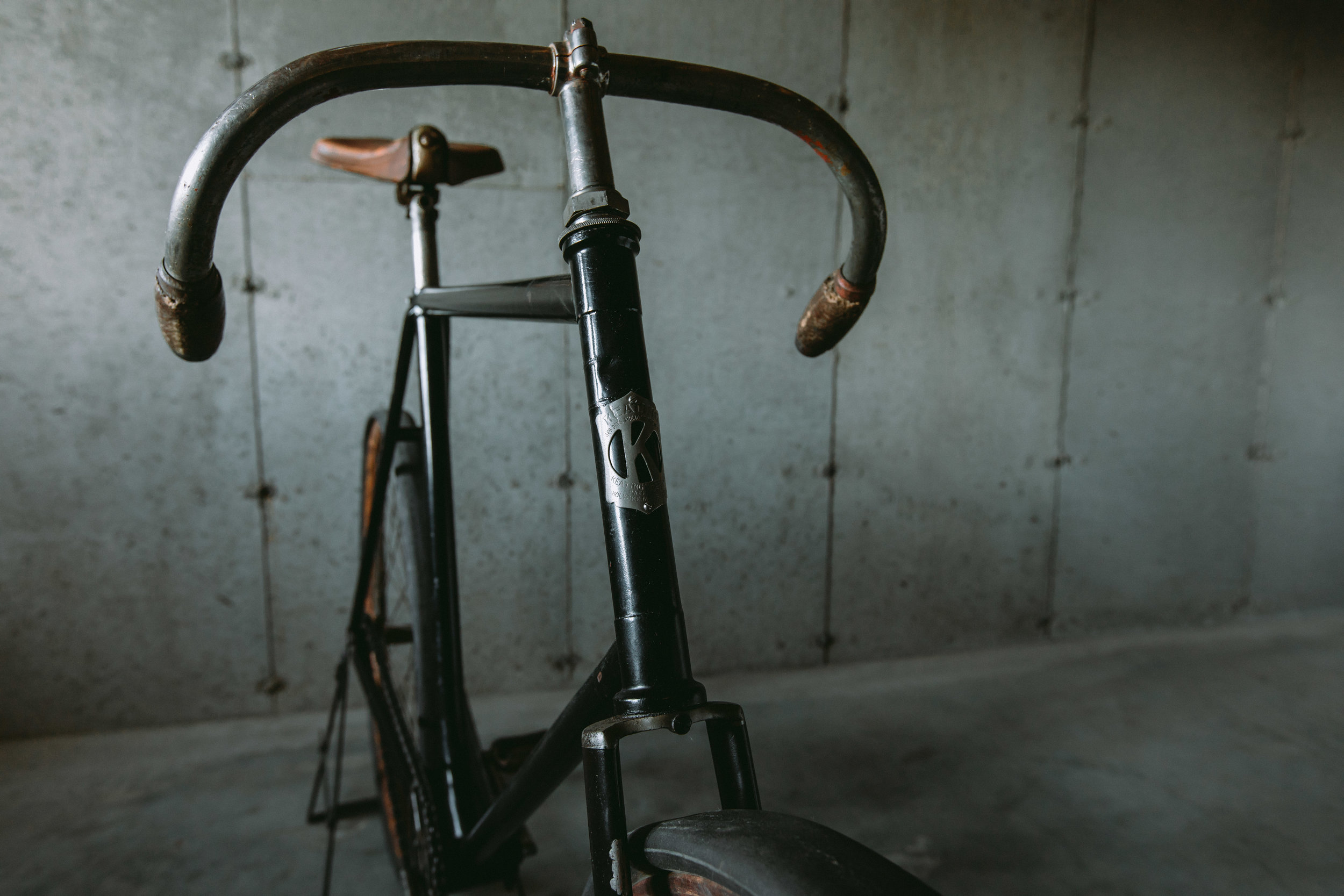 """Zero-offset stems were typical of the era, but Keating's handlebar design was unique to him. Seen here in """"Race"""" mode, the bar could be flipped for a more upright and comfortable riding position depending on the riders sensibilities."""