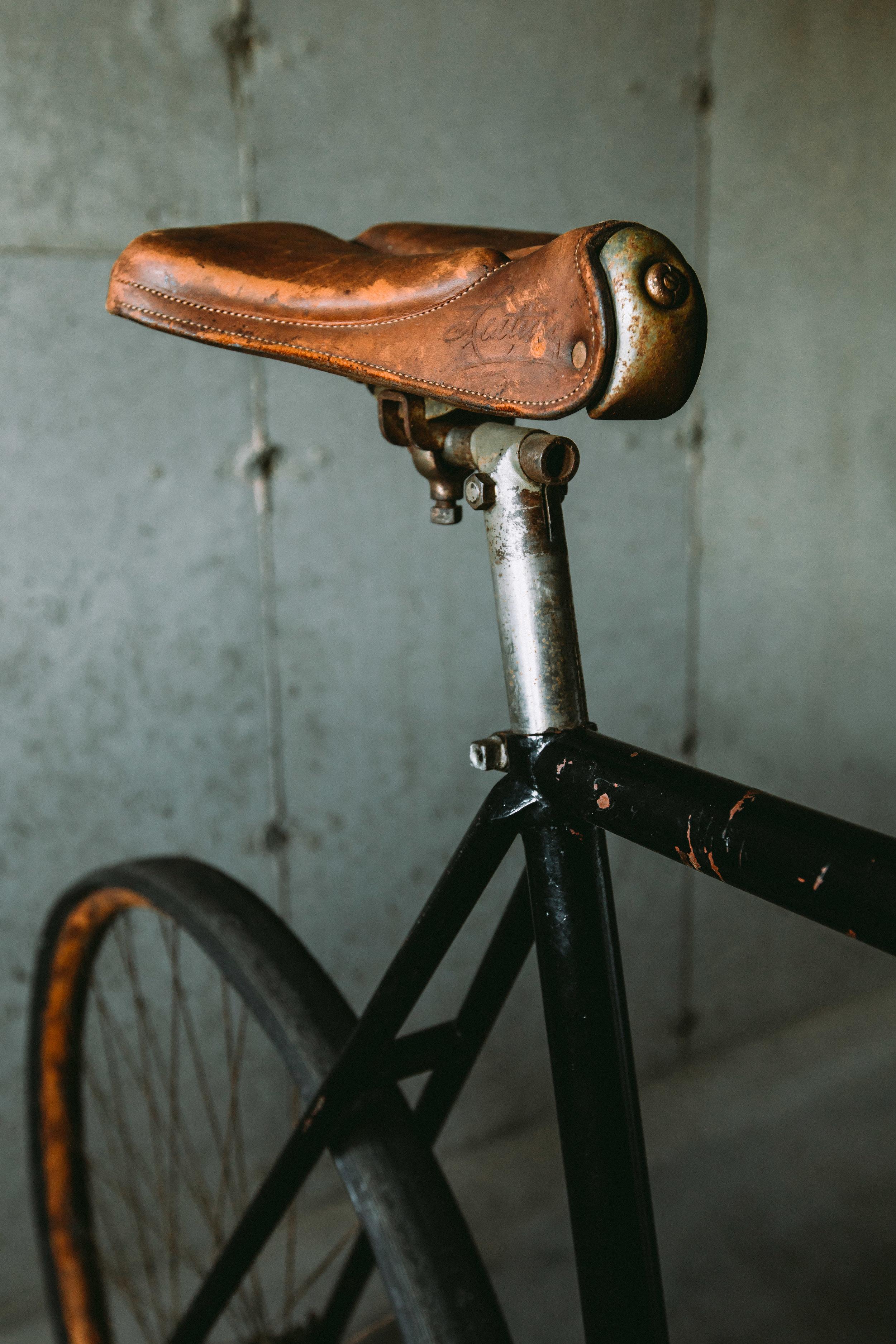 Keating script leather saddle, standard on all models.