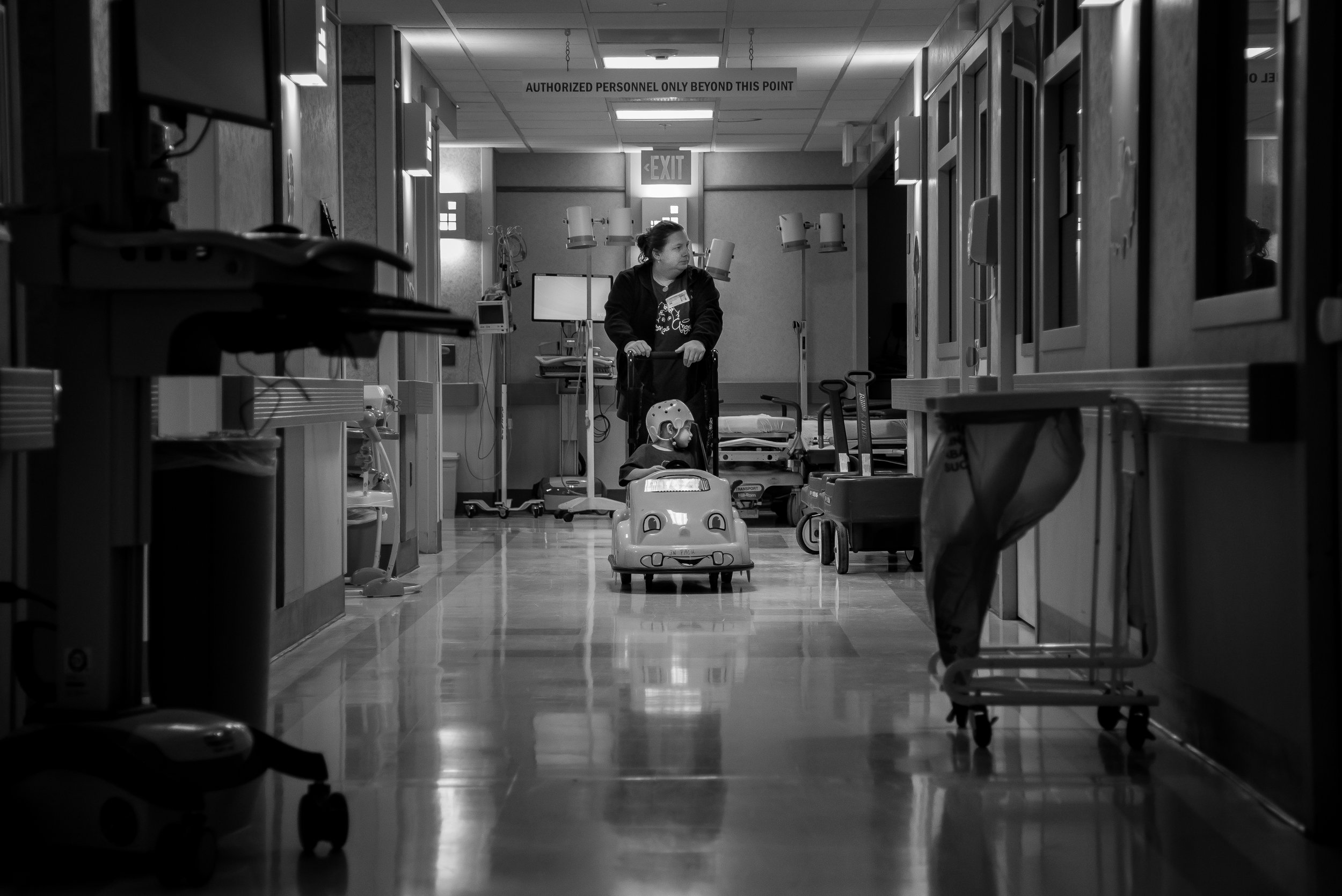 """en pushes Arianna down an empty hallway while waiting for her doctor to arrive. """"A lot of people say, 'how do you do it?'"""" said Jennifer. """"I have no choice. To me, it's my daughter. I want what's best for her."""""""