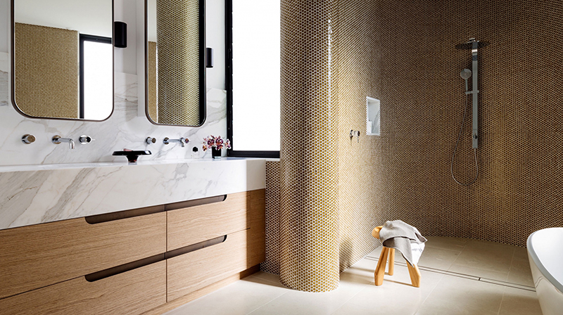 (above) The bathroom in the 'Tamarama' project by Decus Interiors'. Photo – courtesy of  Decus Interiors