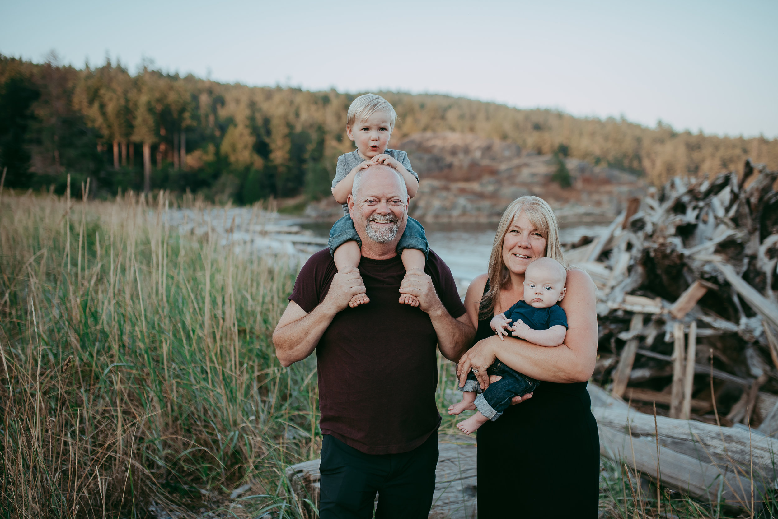 Lifestyle Family Photographer Porteau Cove, Squamish B.C 4 [ Paige Lorraine Photography }.jpg