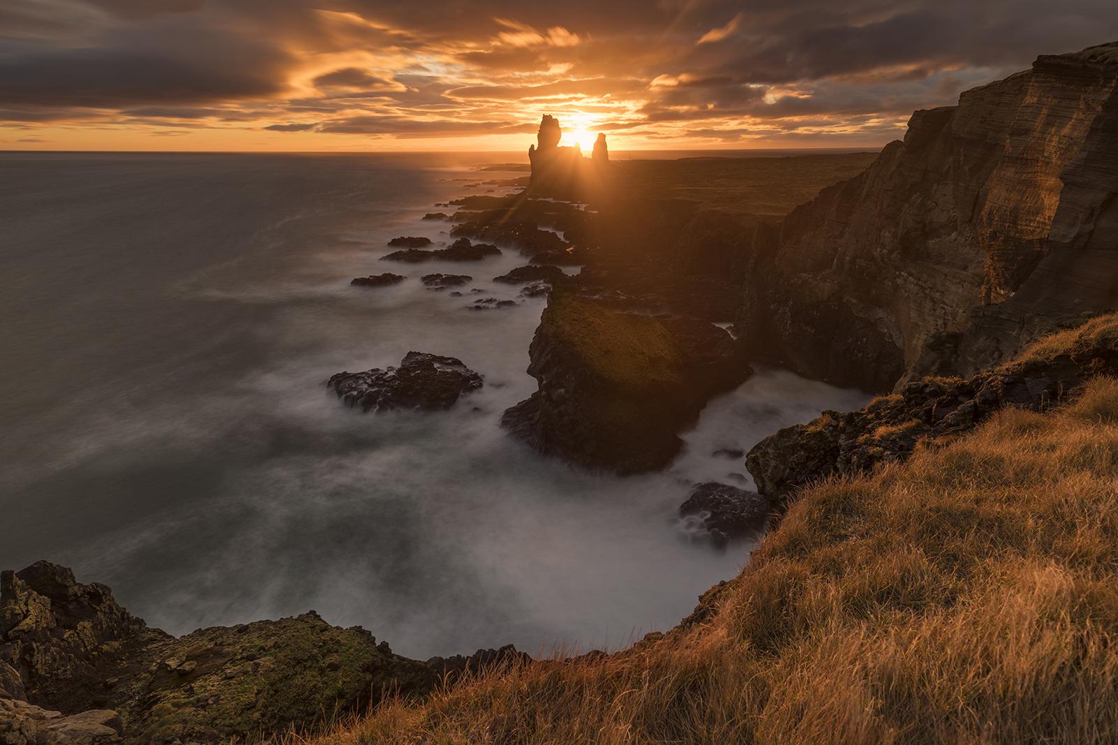LÓNDRANGAR Cliff