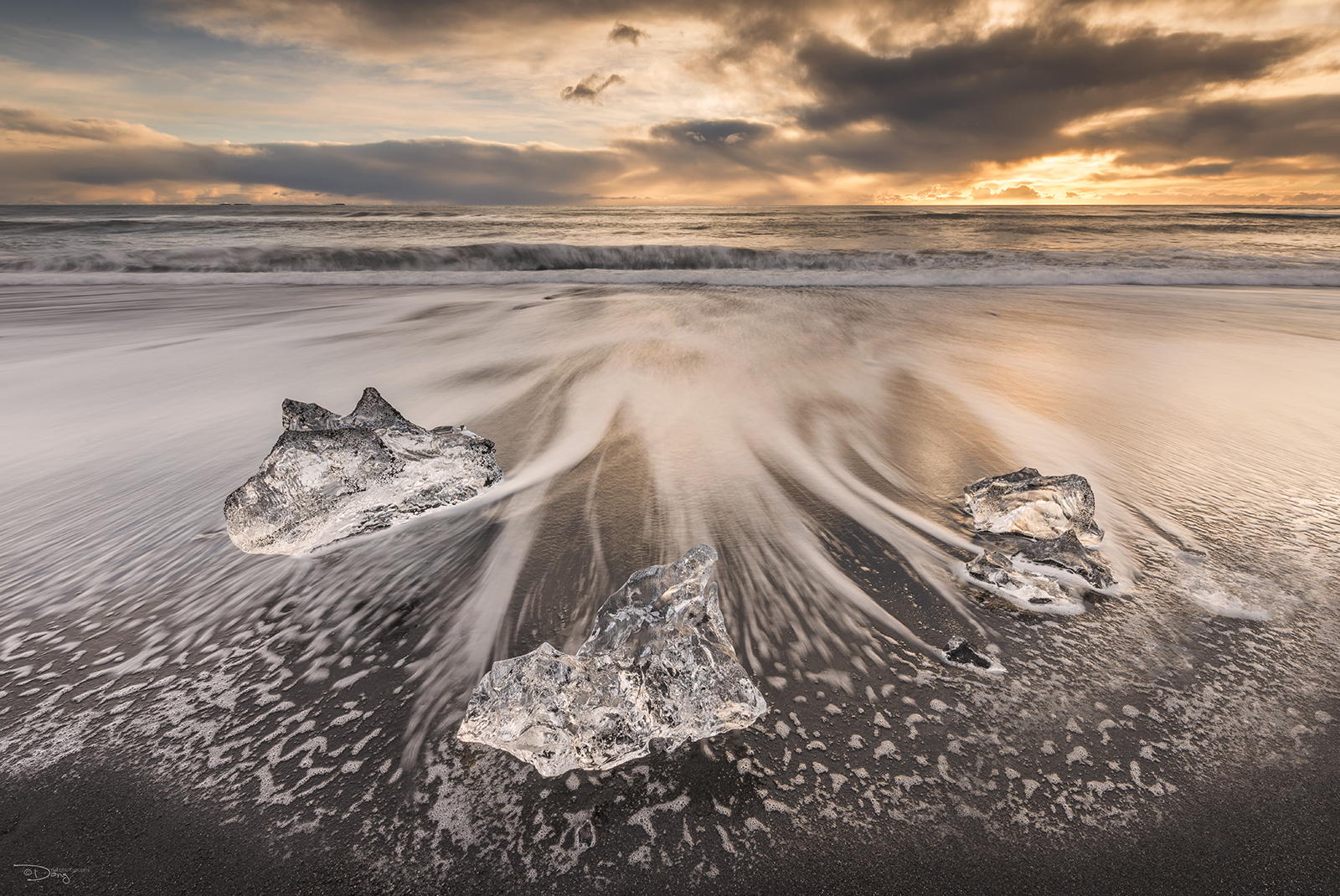 Diamond beach, ice bergs