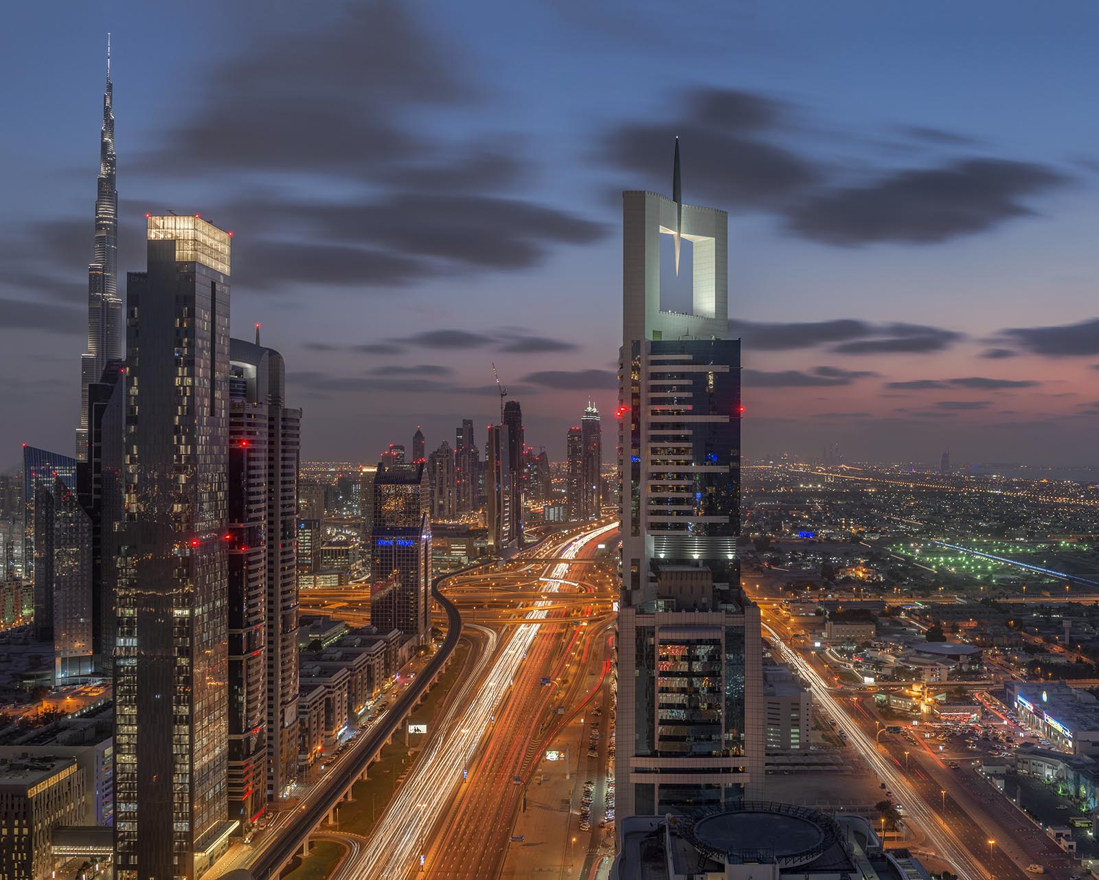 Sheikh Zayed road during rush hour from Level 42 bar