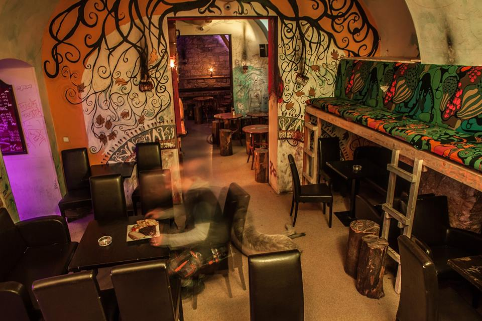 Vzorkovna in prague 1, places for musicians to come and jam together! Come and play and sit back and listen!!