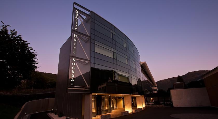Quality Hotell Sogndal - Adresse: Gravensteinsgata 5, 6851 SogndalTelefon: 57 62 77 00Mail: booking.sogndal@choice.no