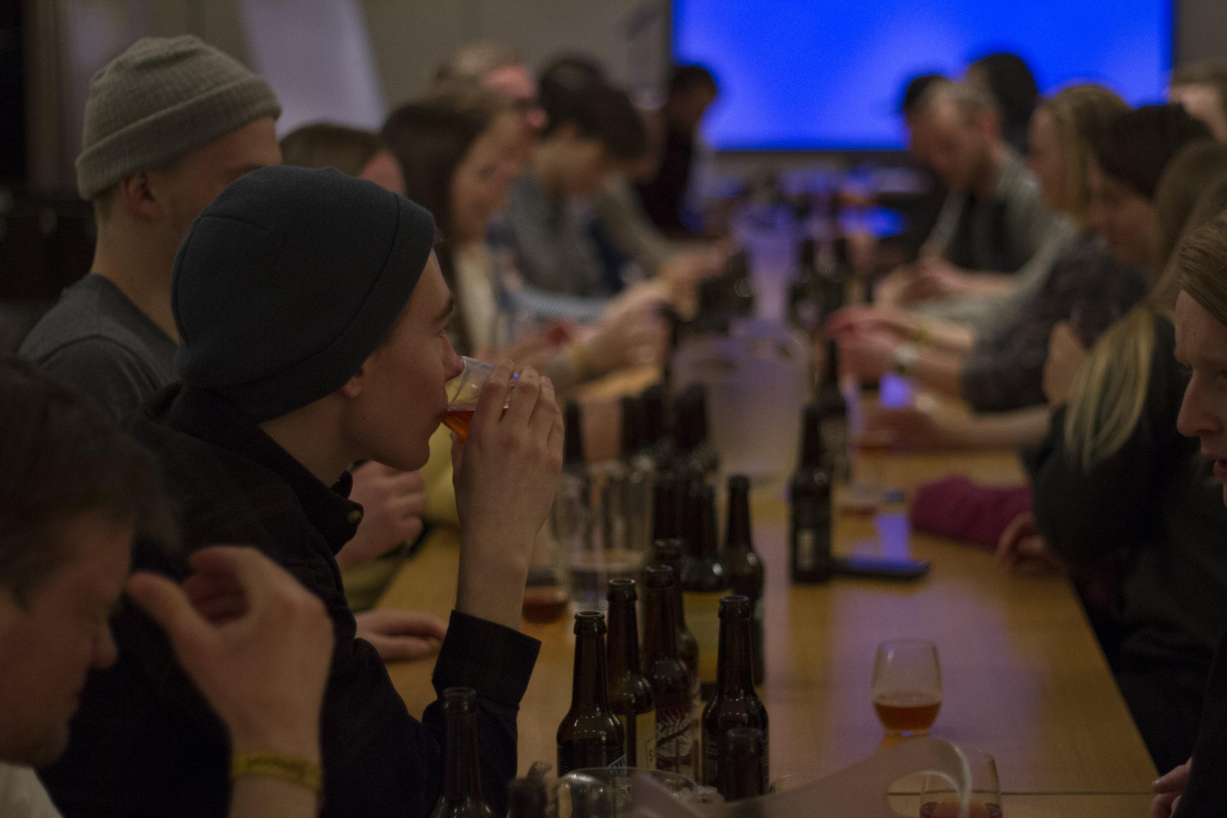 ØlsmakingMedBalder_2018_IdaFalkgjerdetSvåi_4.jpg