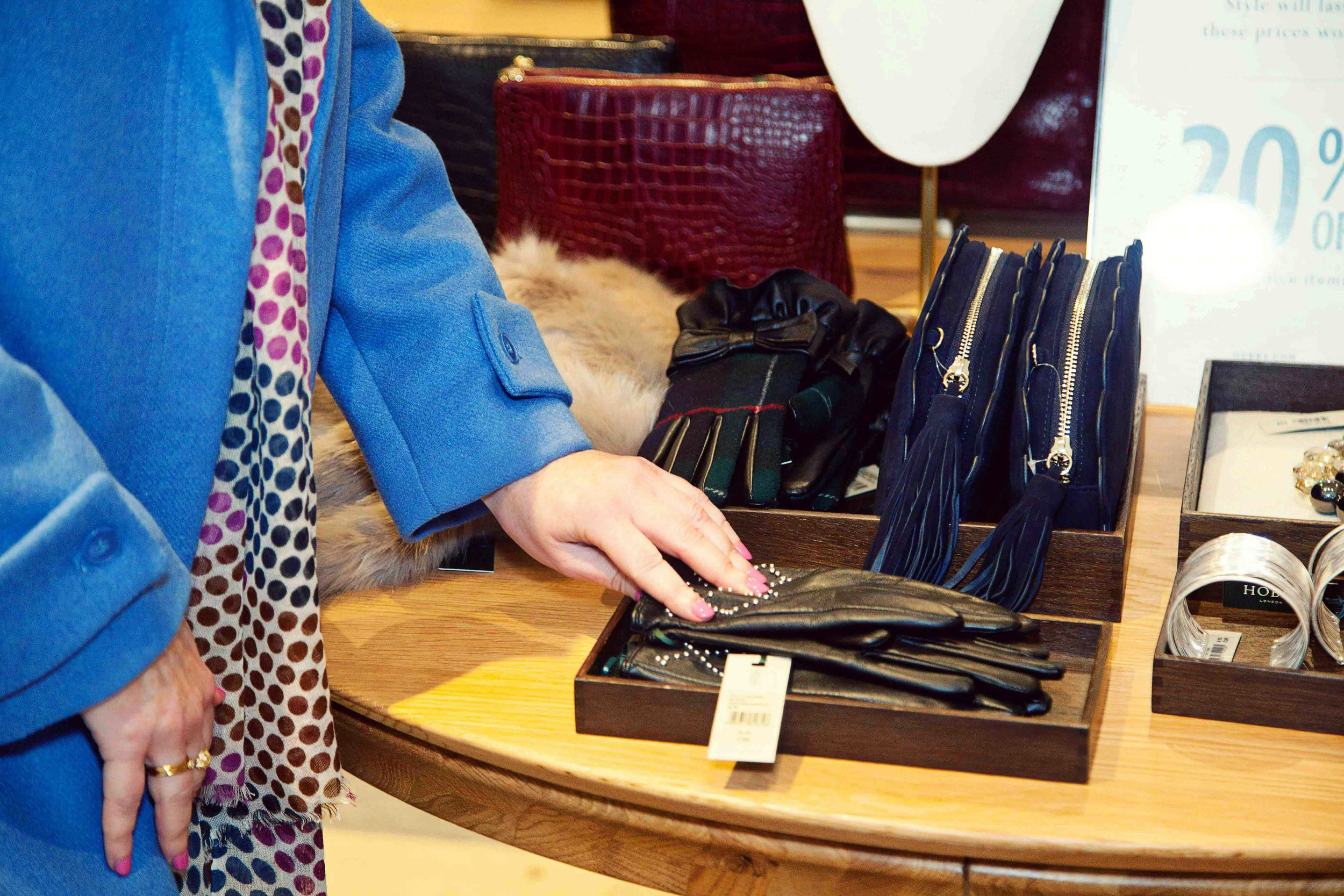 Express Shop - This is ideal if you are looking for something in particular, like a great fitting pair of jeans or accessories to complete and outfit. It helps save you time and ensures you go home with the perfect purchase.£60 for 1 hour
