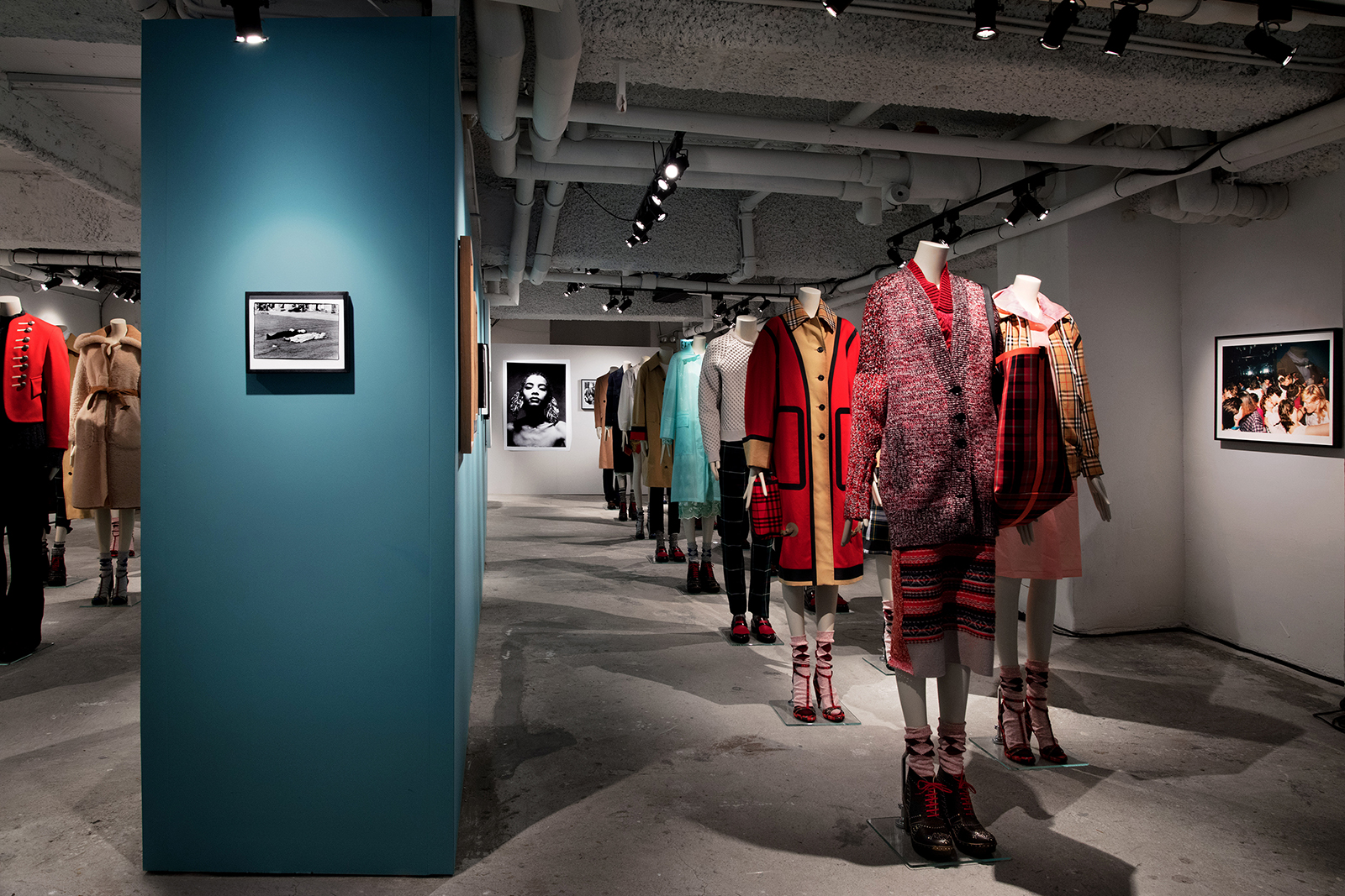 Burberrys-Here-We-Are-photography-exhibition-in-Hong-Kong_002.jpg