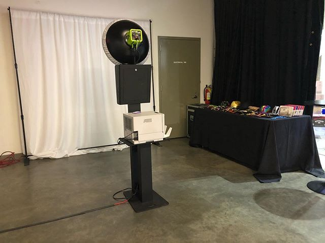 Open air booth set up for @tripactions holiday party.  #sparksphotoboothfun #photobooth #bayarea #sf #corporate #holidayparty #photoboothrentals #tripactions