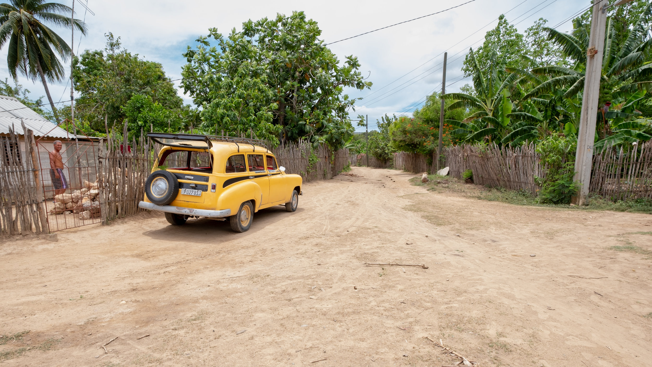 Residential community of Ocujal de Yateritra. The Yellow submarine/station wagon is how we made the trip there.
