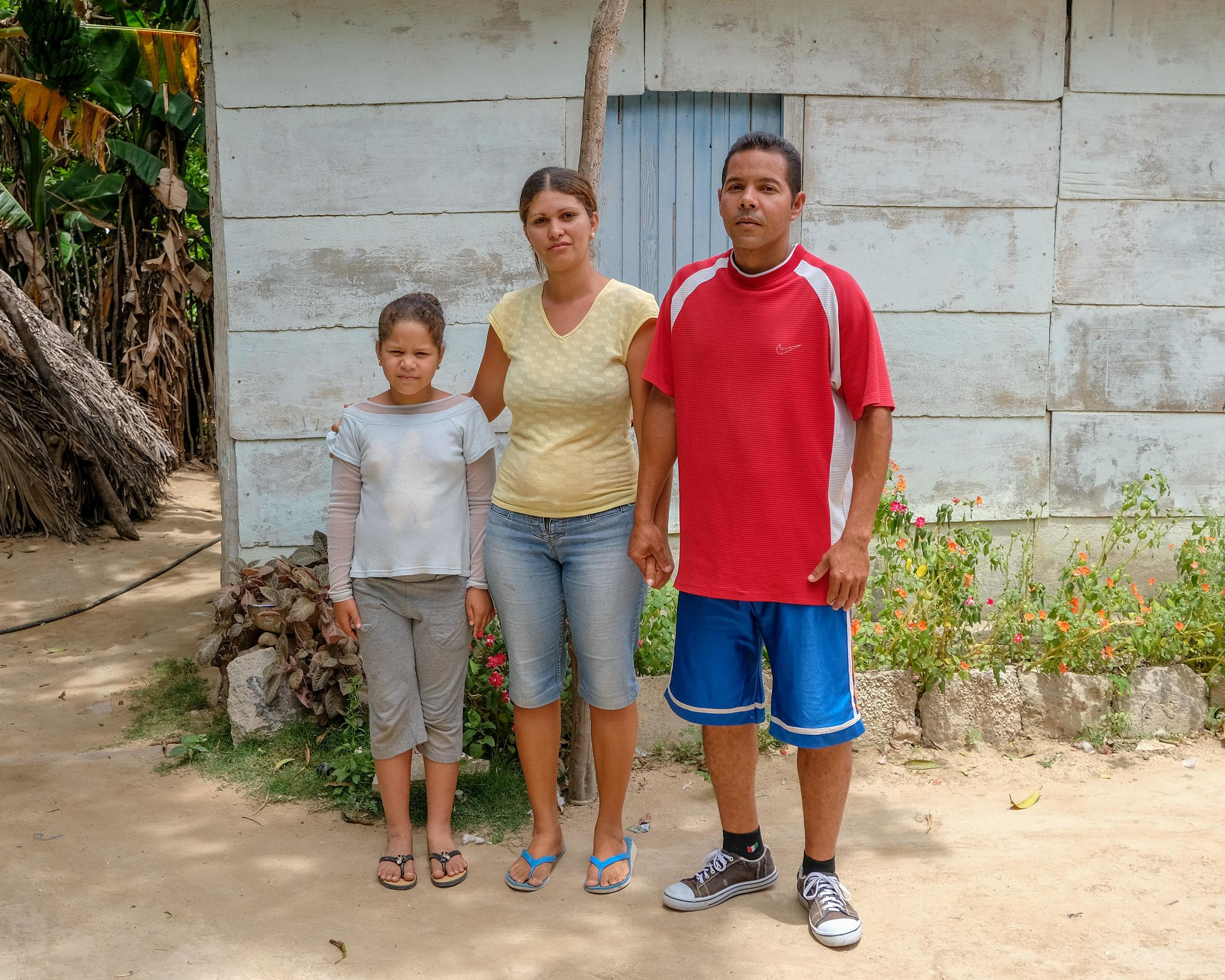 Their first Family Picture!- Noemi, Yuneiris & Marino
