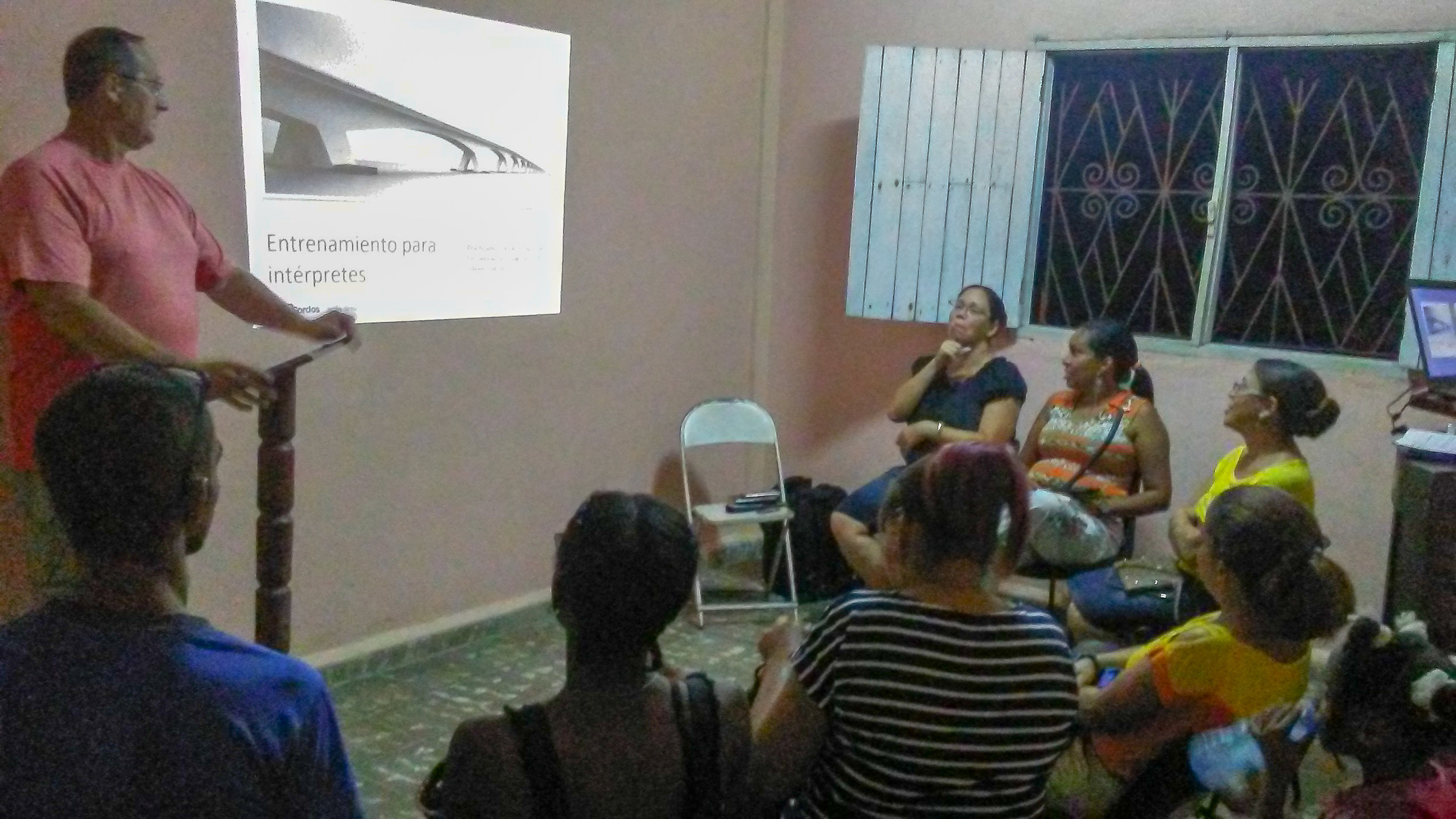 """Cuba Interpreter Training: """"Practicing inclusiveness with the Deaf in interpreting situations"""""""