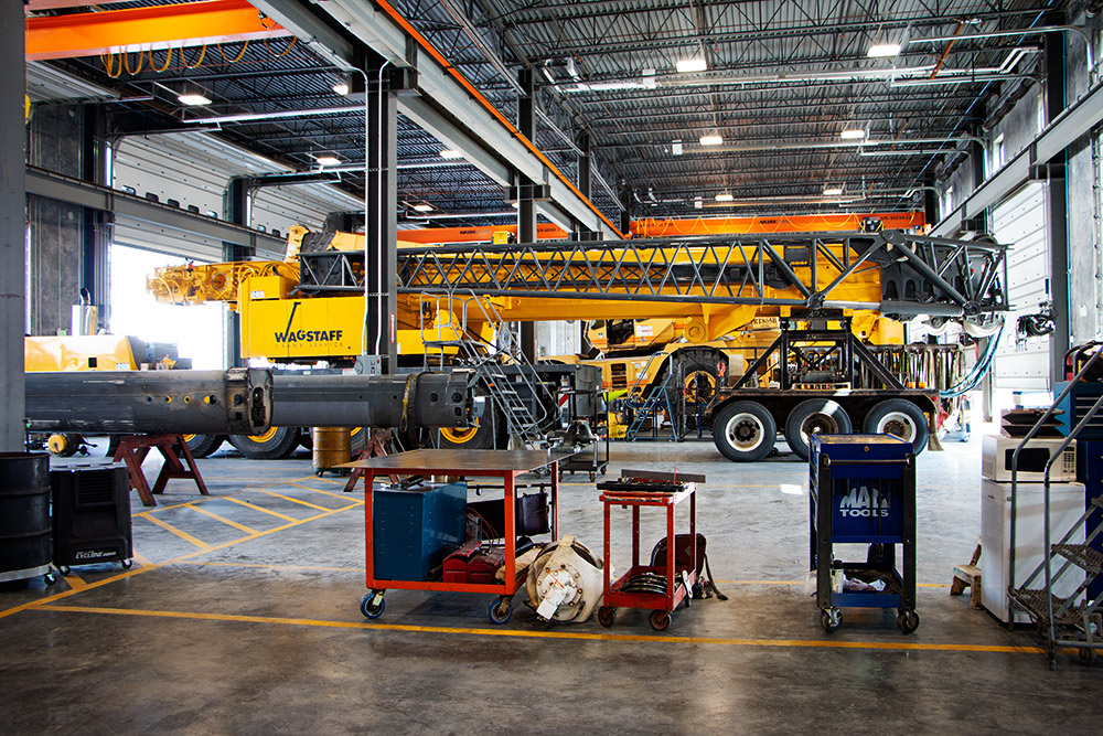 IMG_8499---Garage-crane-SMALL.jpg