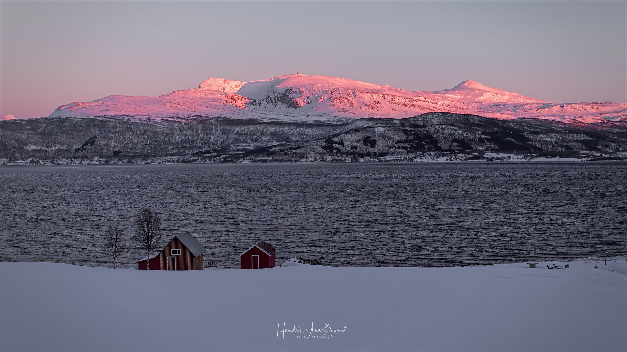 Gibo_Two_Housee_Norway_2.jpg