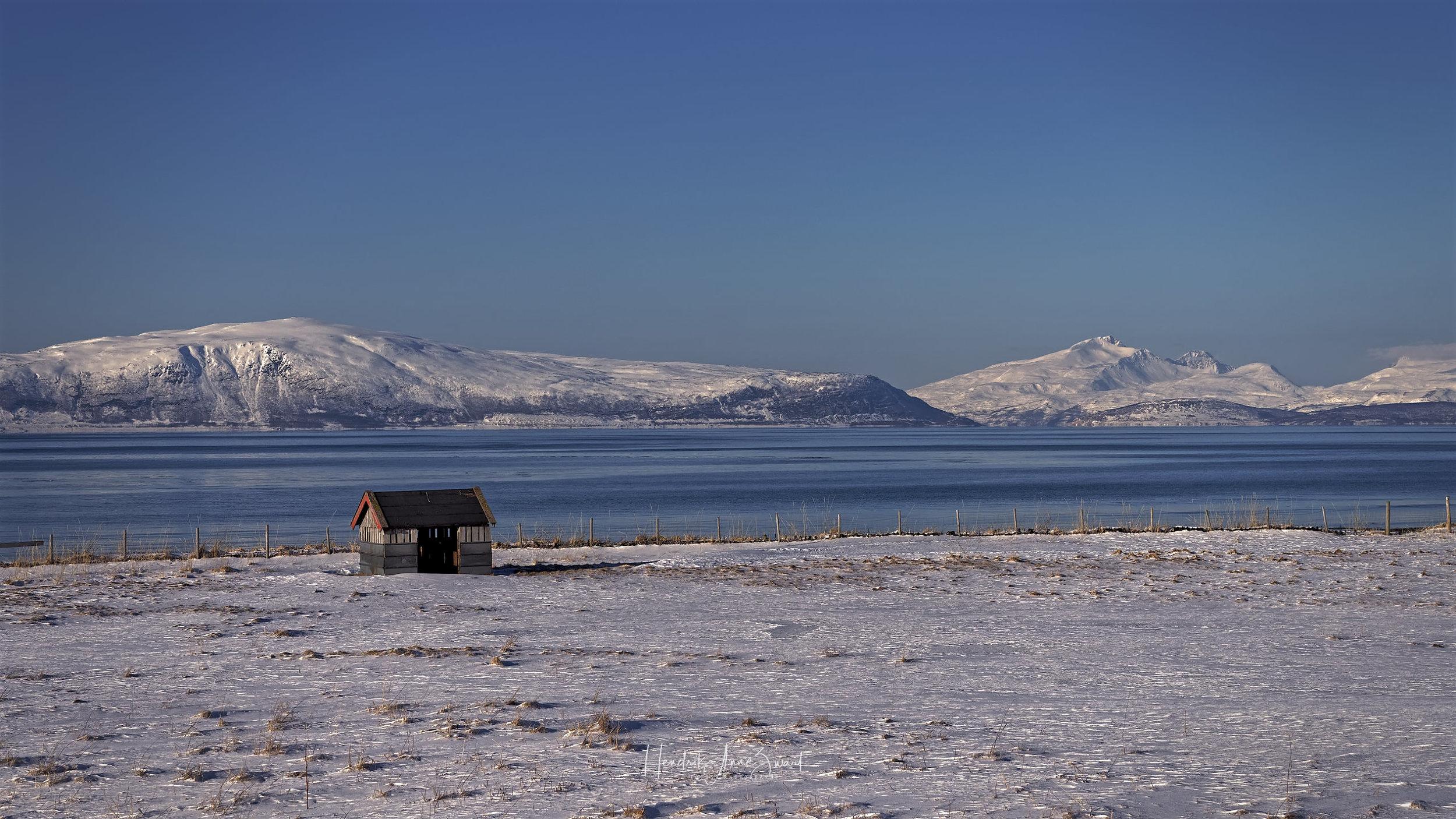 Lenangen_Lyngen_Norway_House_1.jpg