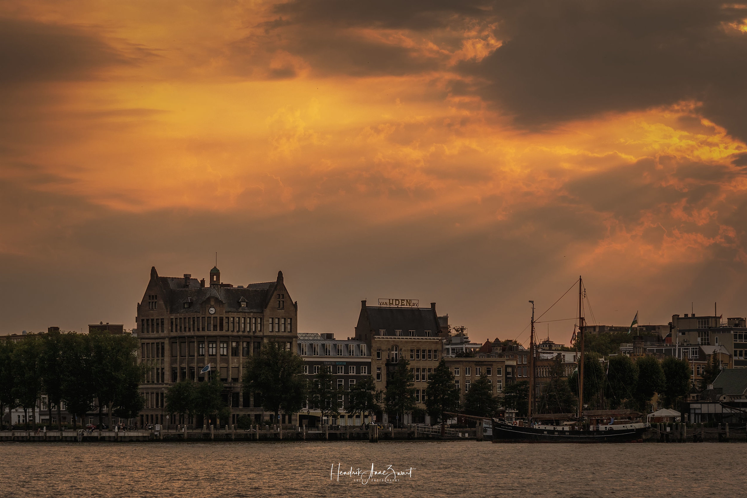 Rotterdam_Maas_Sunset_3.jpg
