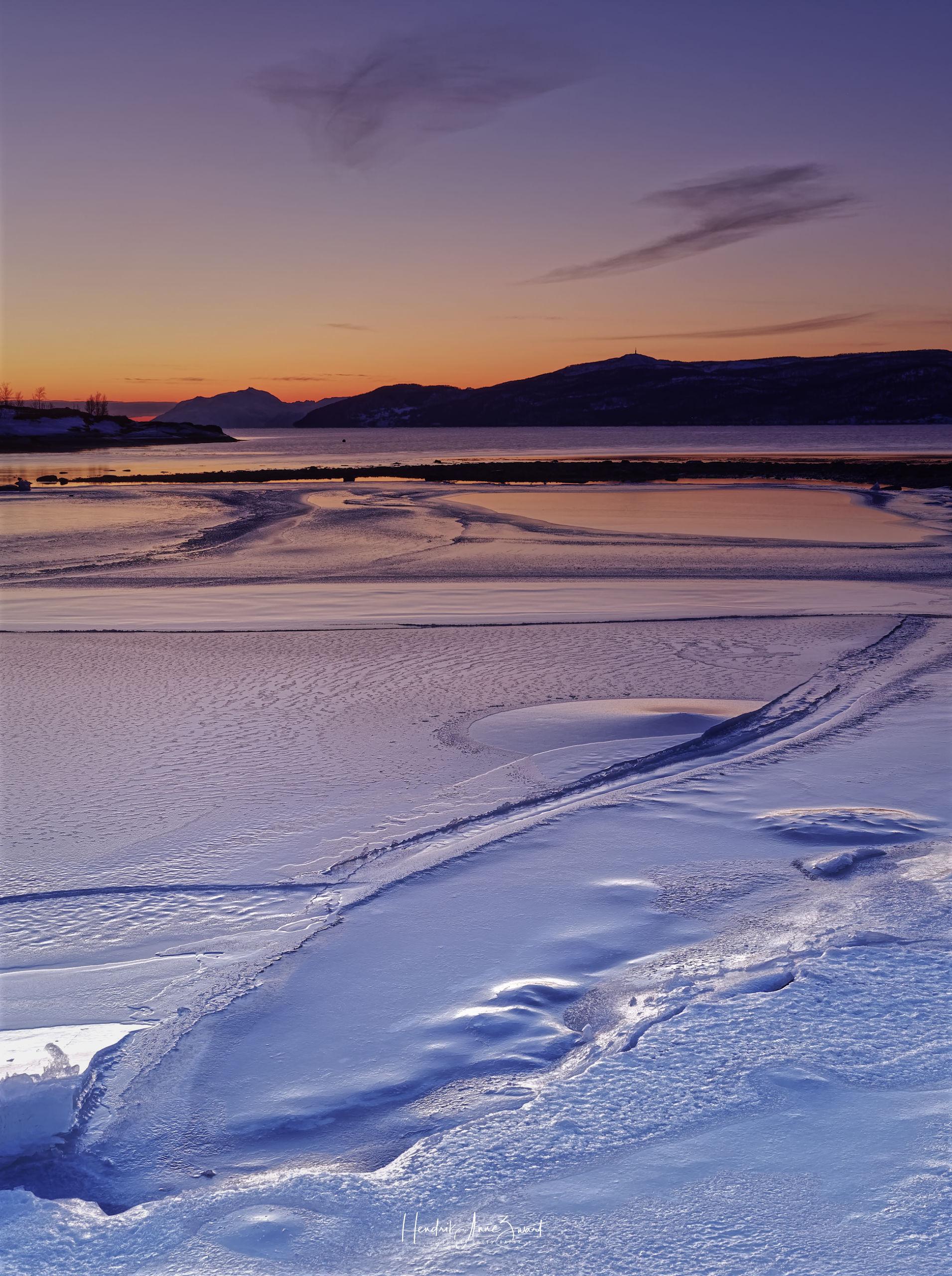 Tømmervik_Ice_Sunset_Norway_1.jpg