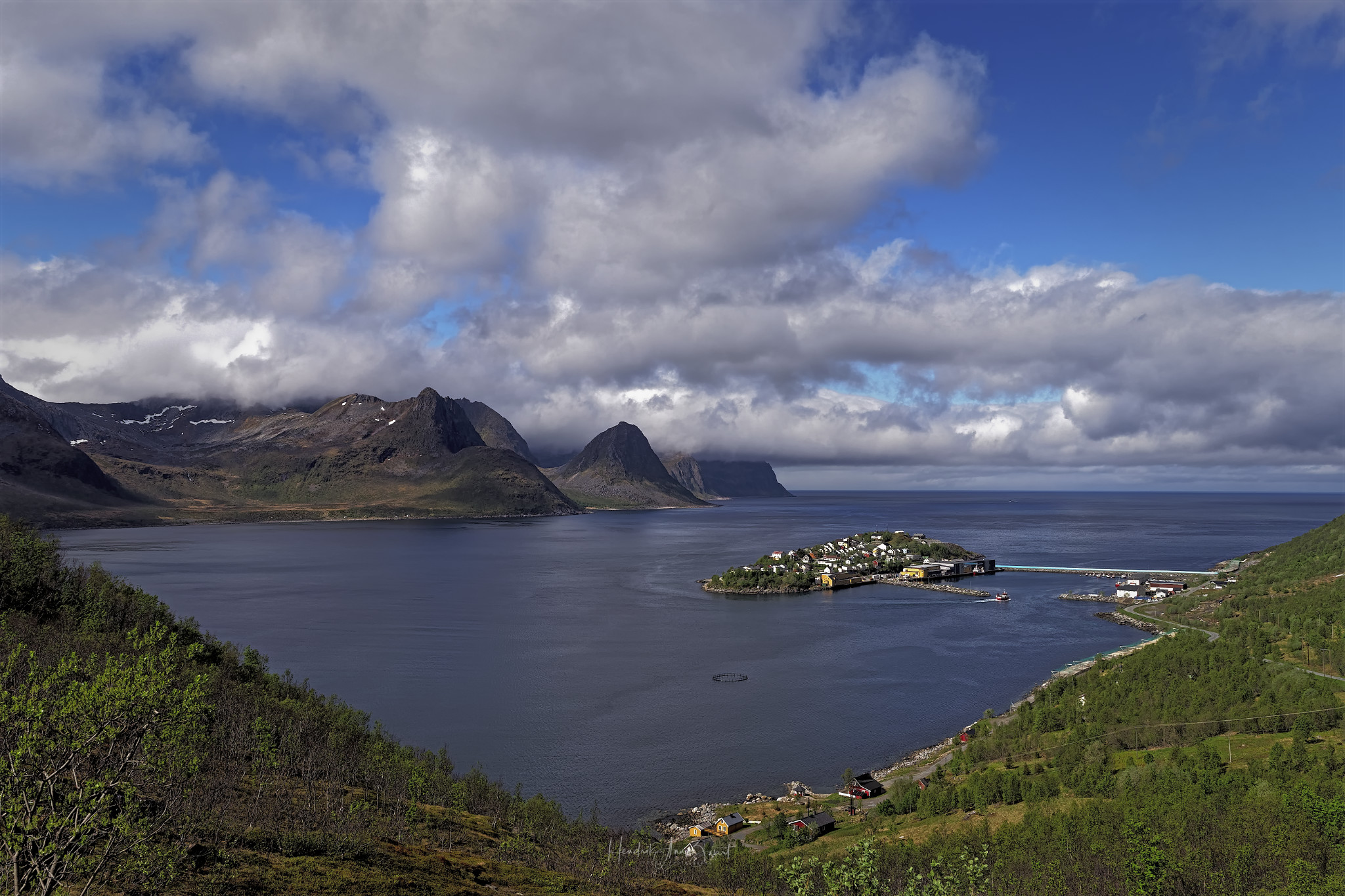 Nordic_Light_Senja_Norway_Husoy_1.jpg