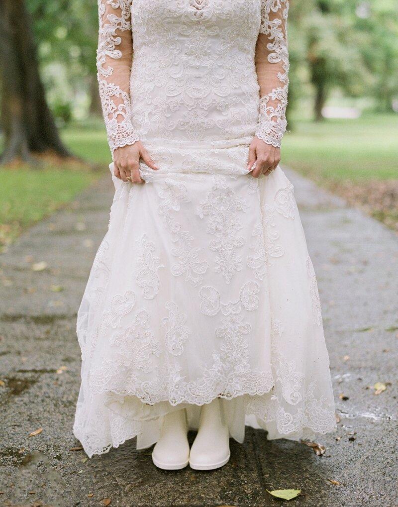 Rainy Wedding Photo Inspiration