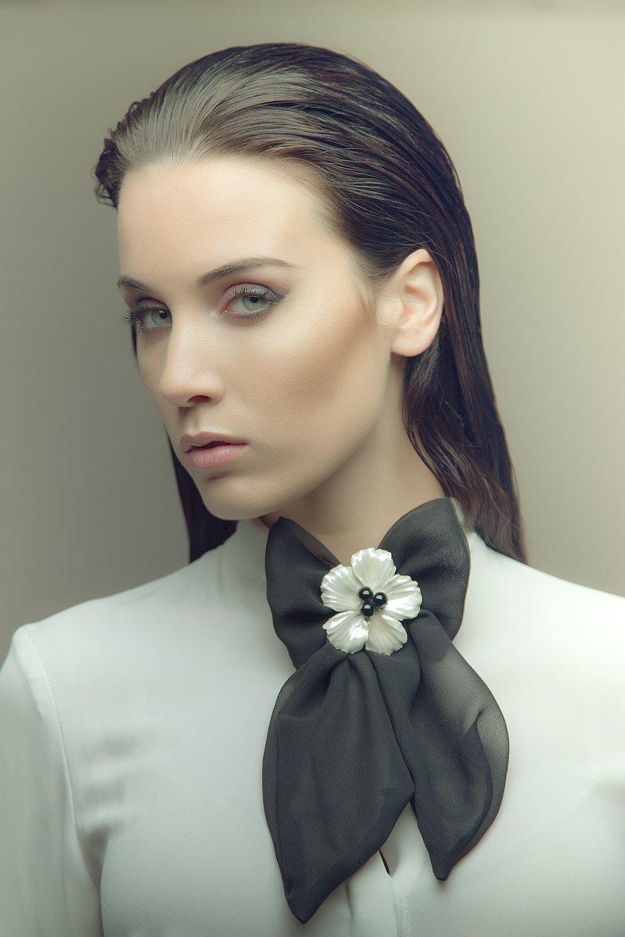 designer-woman-neck-bow_2048x.jpg