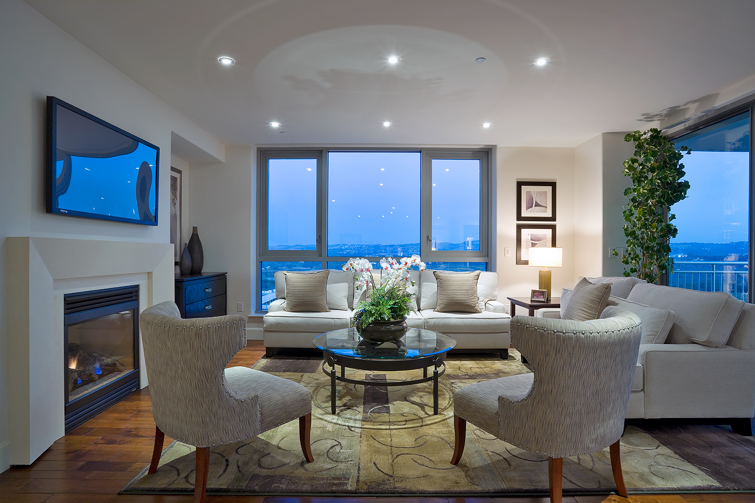 Penthouse, Living Room