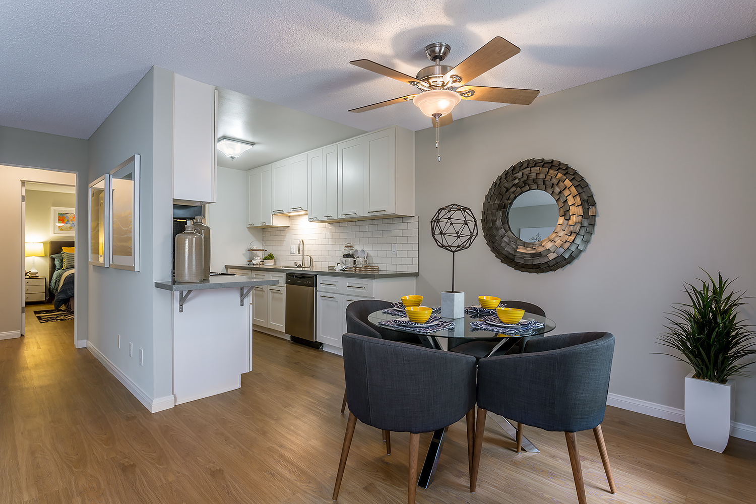 Apartments, Dining Room & Kitchen