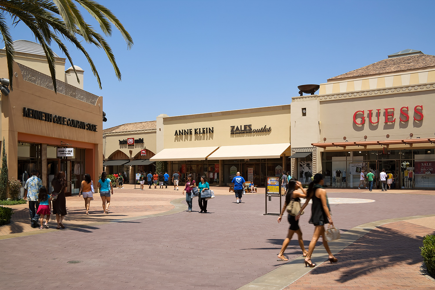 Citadel Outlets with People