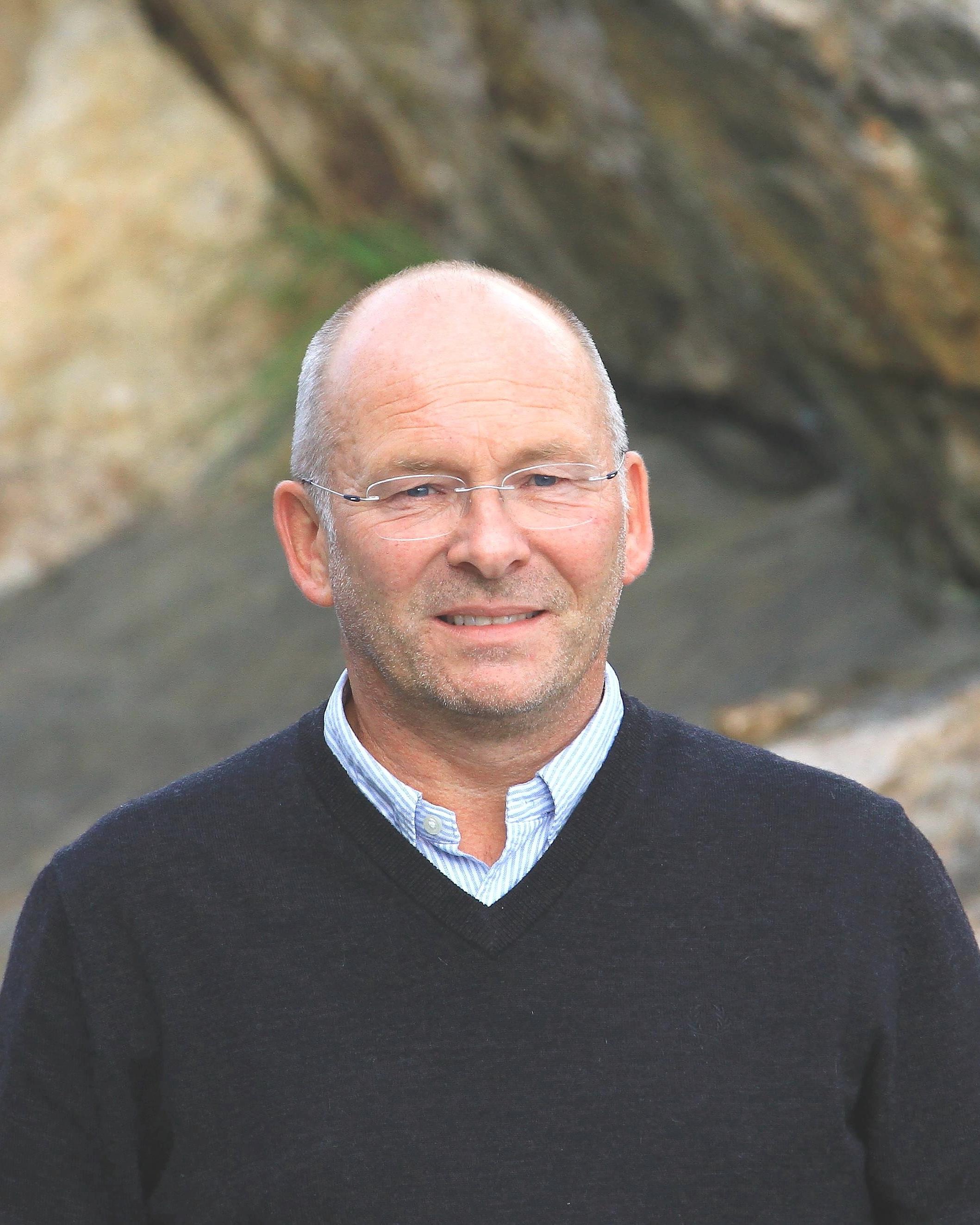 Petter Dønnestad Consultant Advisor ➤ Kristiansand (Sør Arena) ☎ +47 920 13 744 ✉ petter@advantek.no
