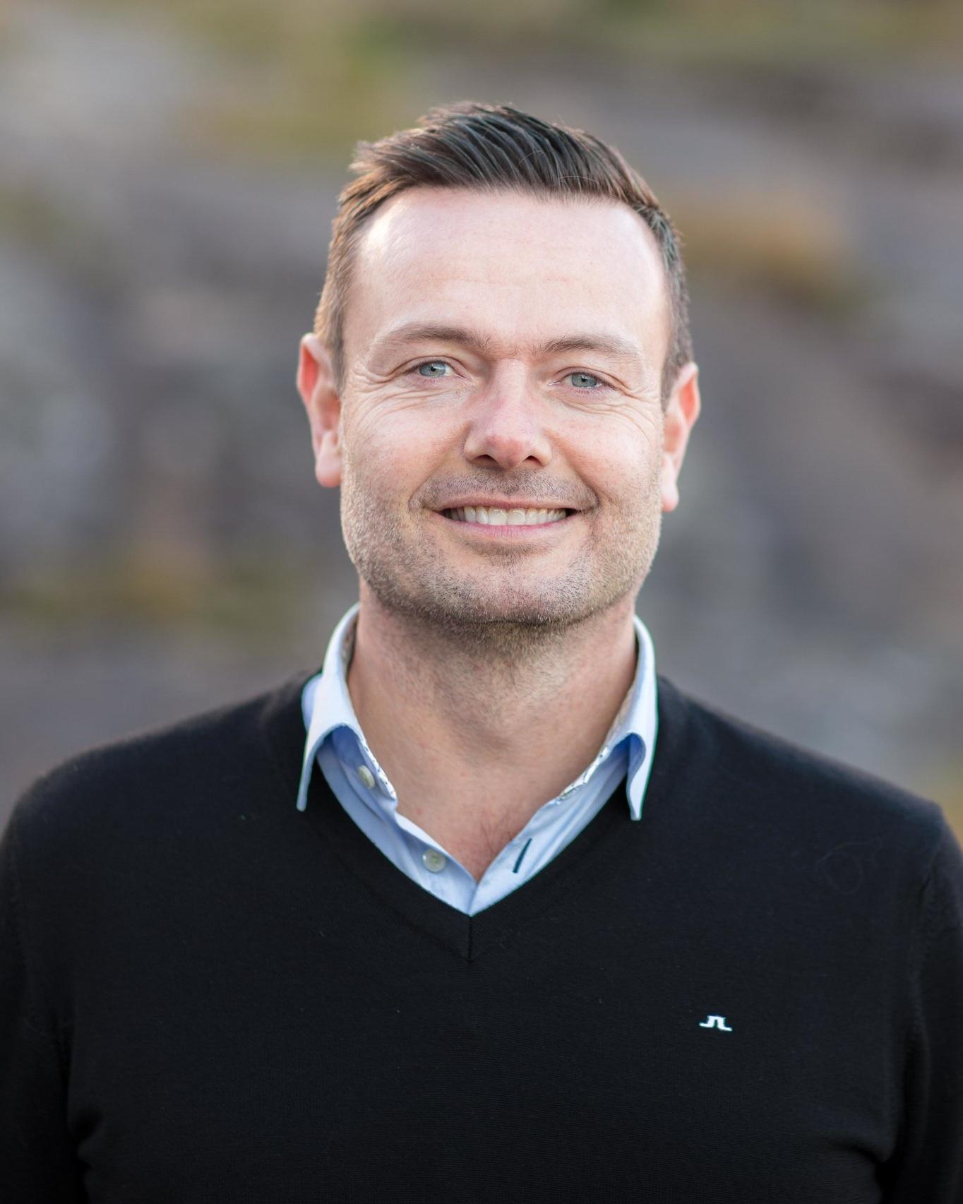 Kenneth Kårikstad Managing Director ➤ Kristiansand (Sør Arena) ☎ +47 905 41 990 ✉ kenneth@advantek.no